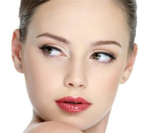 Идеальный макияж для квадратного лица: особенности корректировки контура