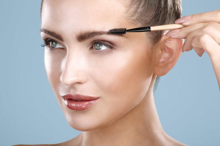 Хорошо смотрится цвет бровей, соответствующий цвету волос