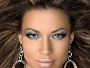 Как с помощью макияжа можно визуально уменьшить нос